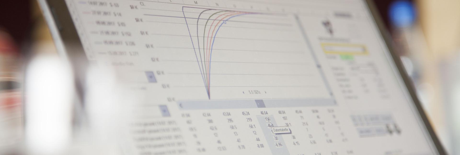 charts_laptop